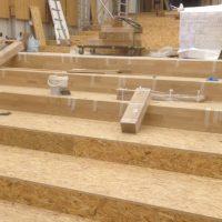 Pavimentazione-Rovere-Auditorium-realizzazione-delle-gradinate-e-del-fondo