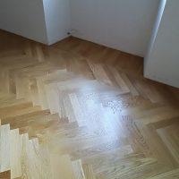 Parquet-montato-a-Spina-Ungherese-appartamento-a-roma-listelli-rovere-posa-levigatura-lucidatura-orlandi-parquet-frosinone