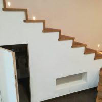 Scala-Parquet-Rovere-Verniciato-Roma-Appartamento-controllo-fondo-montaggio-levigatura-verniciatura